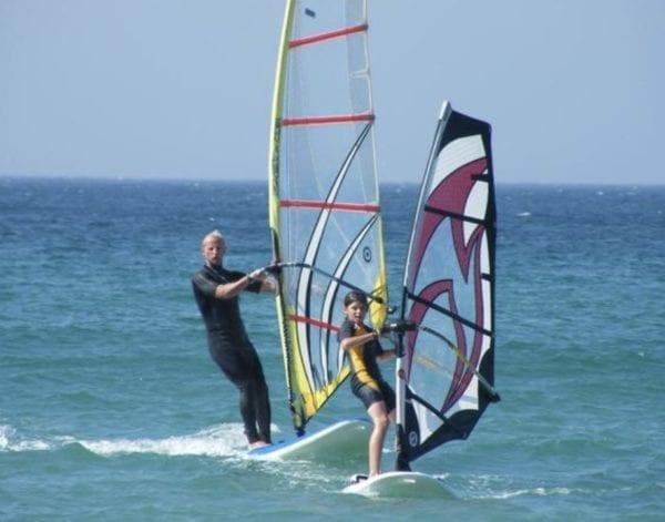 Curso Iniciación Windsurfing 4 horas en grupo en Tarifa, Cadiz, España