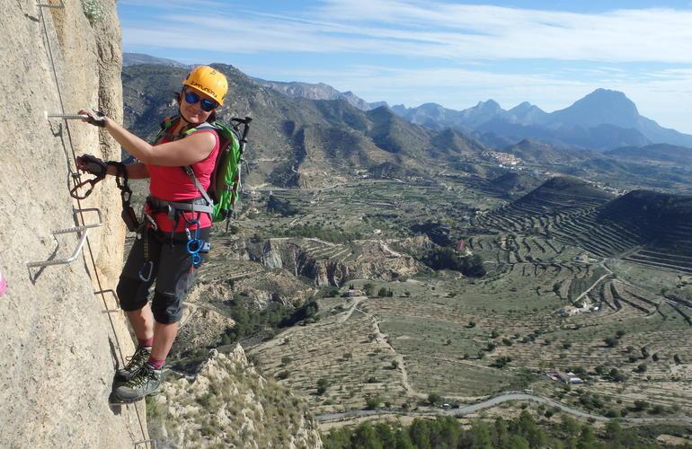 Via Ferrata Hommter Turismo Deportivo. Actividades, Viajes y Alojamientos