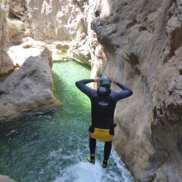Barranquismo (tramo familiar) Río Verde en Granada, España