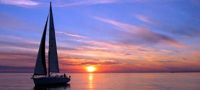 Paseo en barco velero en Alicante, España