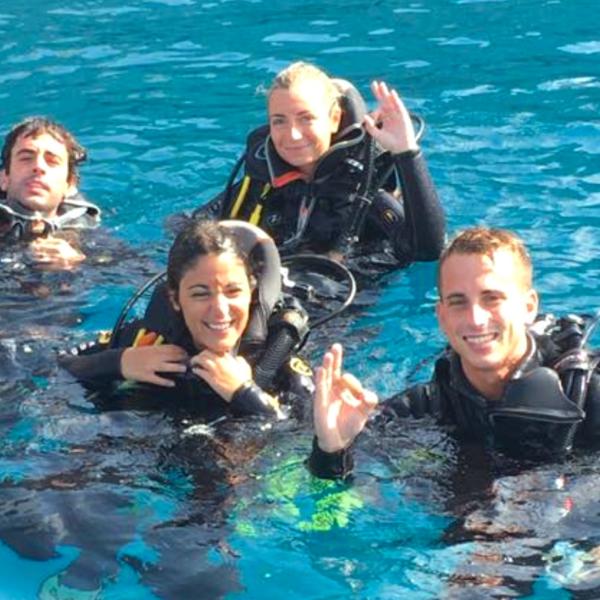 Buceo curso Open Water en Almuñecar Granada, España