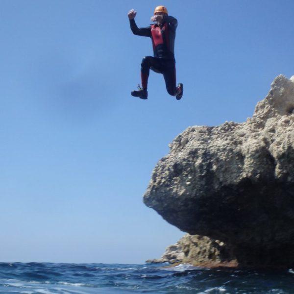 Coast Jumping o Coasteering en Alicante, España