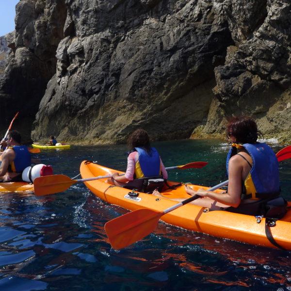 Excursión kayak + snorkel en la reserva marina en Menorca, España
