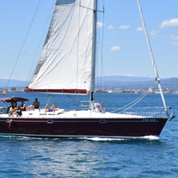 Alquiler de velero por horas en Valencia, España