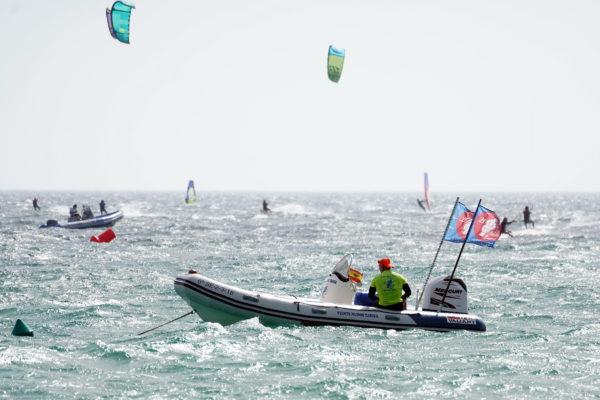 Curso privado 4 horas de kitesurf en Tarifa, Cádiz, España