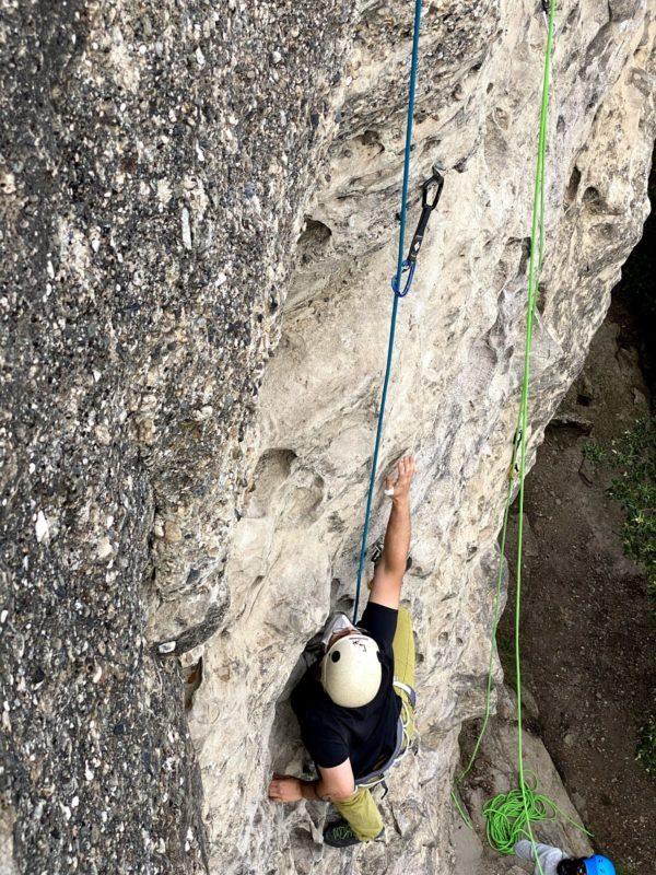 Bautizo de escalada en roca en Centelles, Barcelona, España