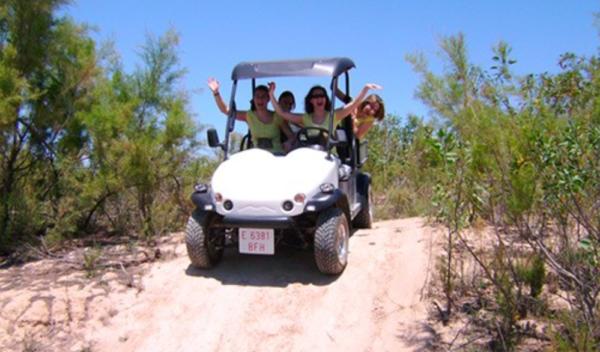 Ruta en coche ecológico en Embalse de la Pedrera en Oriehuela, Alicante, España