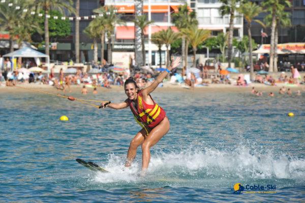 Curso de esquí acuático en Benidorm, Alicante, España