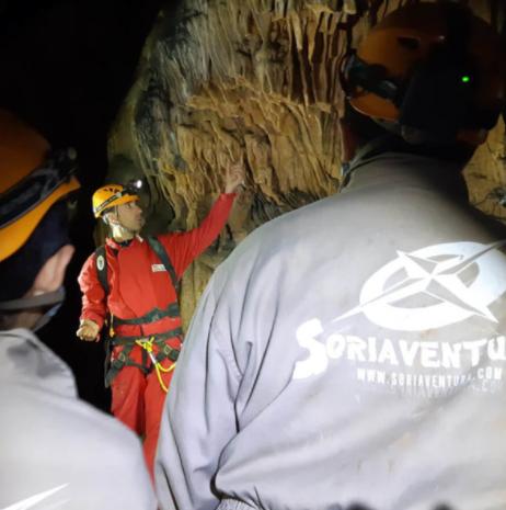 """Curso de iniciación en espeleología """"Cueva de la Galiana"""", Soria, España"""