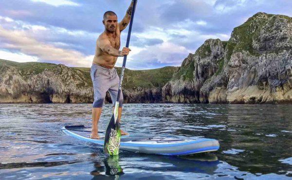 Travesía de SUP/Paddlesurf por el mar en San Vicente de la Barquera, Cantabria