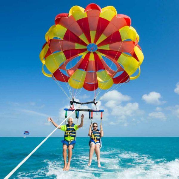 Vuelos de parasailing en Benidorm, Alicante, España