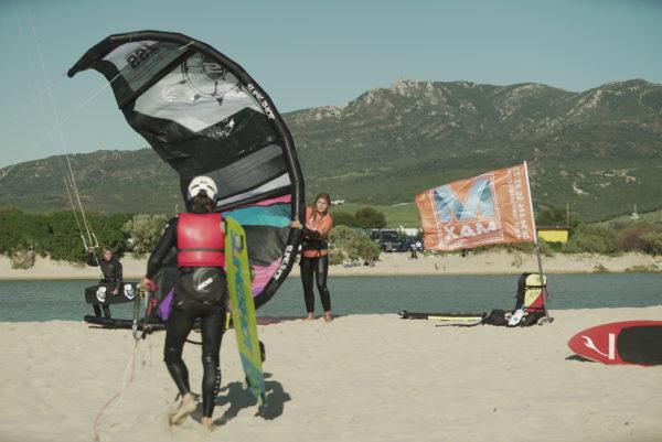 Curso semiprivado iniciación al kitesurf en Tarifa, España