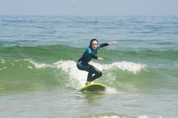 Clases de surf de iniciación en San Vicente de la Barquera, Cantabria, España