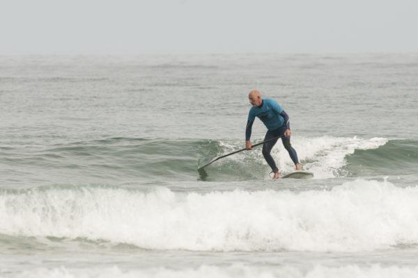 Clases de SUP/paddlesurf con olas en San Vicente de la Barquera, Cantabria, España