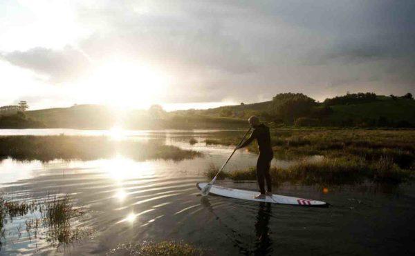 Travesía de SUP/Paddlesurf por rías en San Vicente de la Barquera, Cantabria, España
