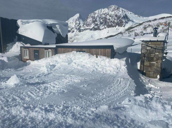 Clases particulares de snowboard en Fuentes de Invierno, Asturias, España.