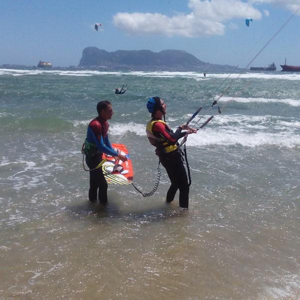 Curso kitesurf semiprivado en Tarifa, Cádiz