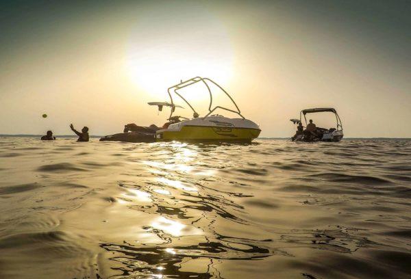 Alquiler barco de olas en Marbella, Málaga, España