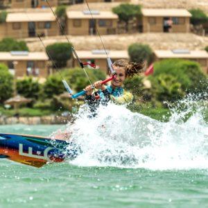 girl-kitesurf-dakhla-hommter