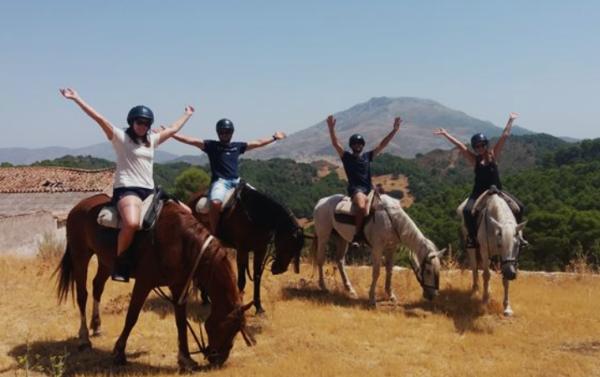 Ruta a caballo Peña Horadada en Málaga, Sierra de las Nieves, España